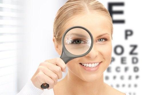 Грижа за здравето на очите с червено зеле