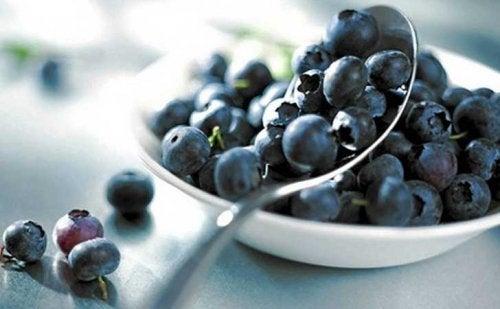 Боровинки за контрол на нивата на холестерол