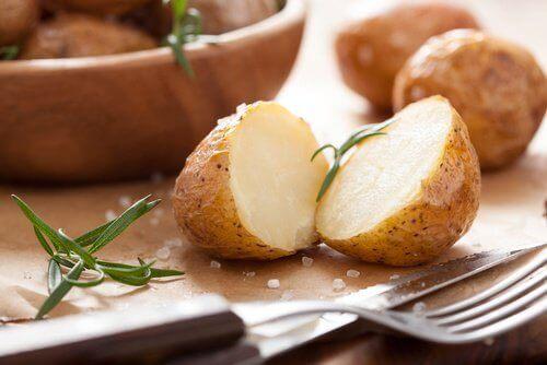 Картофи за растежа на косата