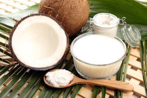 Ползи от алое вера и кокосово мляко