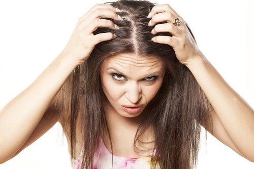 стресът понякога може да бъде причина за изтъняването на косата