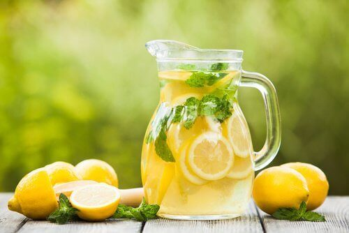 кана с лимонада