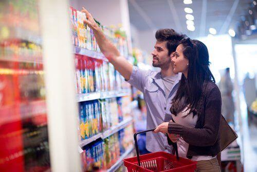 Избягвайте преработените продукти, ако задържате течности.