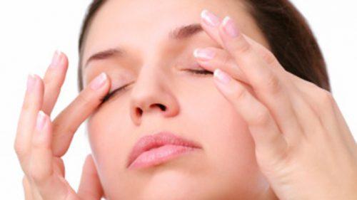 Упражнение с върха на пръстите за подобряване на зрението