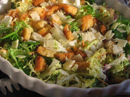 Избягвайте висококалорични салати ако сте на диета