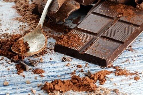 черен шоколад за здрав мозък