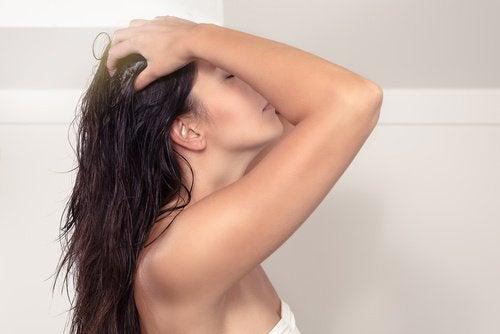 маслото от пшеничен зародиш стимулира растежа на косата