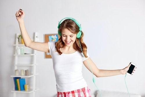 Музиката и танците