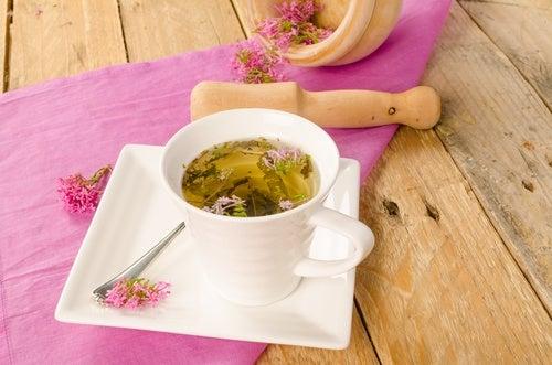 Чаят от валериан спомага за дълбок сън.
