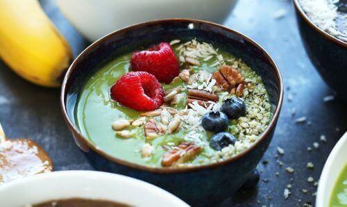 Ягодите, боровинките, черешите и малините  за намаляване нивото на триглицеридите.