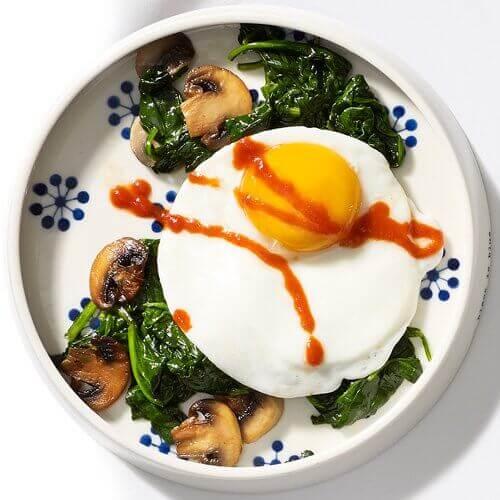 яйца за закуска на гладен стомах