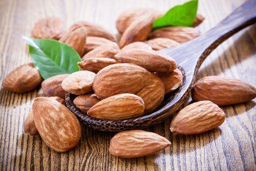 Бадемите са ядки с високо съдържание на витамин Е