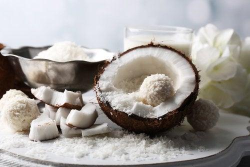 Сурови кокосови орехи