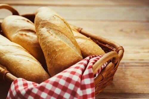 хлябът съдържа глутен