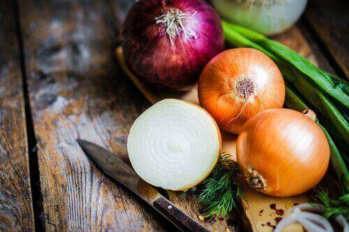 Подобрете здравето на костите си с лук