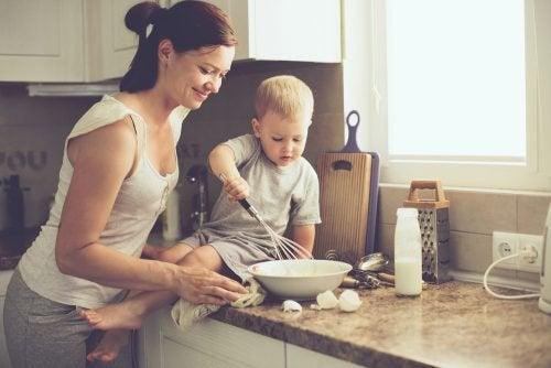 детската привързаност е с важна роля за развитието на бебето