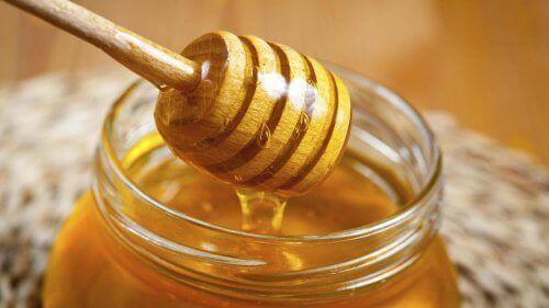 Мед за здрава коса