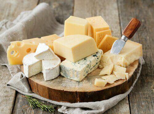 Подобрете здравето на костите си със сирене