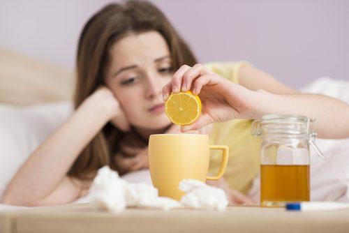 чай и мед при настинка и обилно количество секрети
