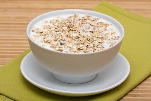 Чай с овесени ядки против подуване на стомаха