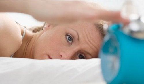 Очните тикове също могат да бъдат следствие от недостатъчно количество сън