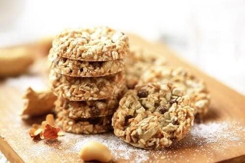 Опитайте тези супер-хранителни бисквитки от кокос, овес и семена