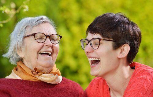 Терапията със смях за подмладяване и отърсване от стреса