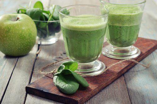 Сок от спанак и целина за понижаване на кръвната захар