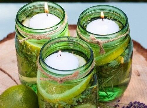 Как да направите ароматни свещи, които отблъскват буболечките