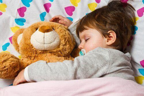 как да приспите детето