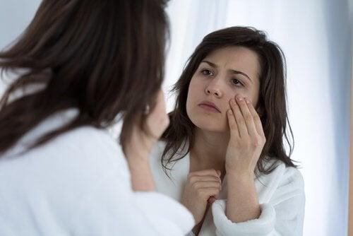 7 възможни причини за очните тикове
