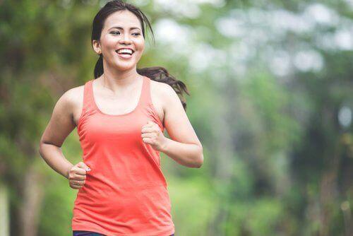 упражнения и тичане - най-добрия избор при консумация на прекалено много тестени храни
