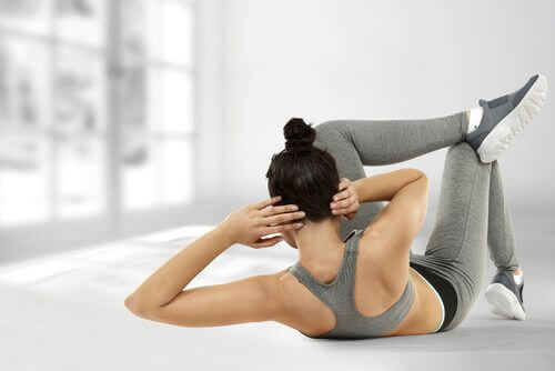 упражнение за странични коремни мускули