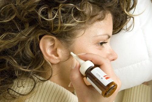 7 натурални средства за почистване на ушната кал