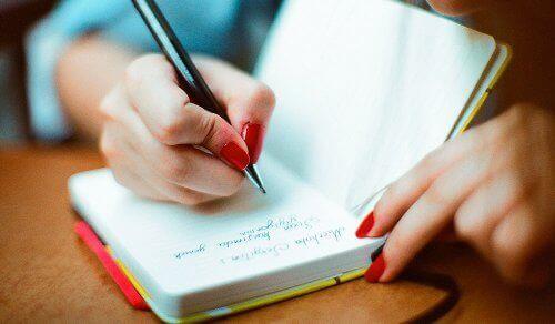 "Четенето и воденето на дневник: ""магически"" стратегии за здравословно когнитивно стареене"
