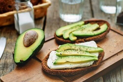 9 причини да ядете авокадо за по-добро здраве