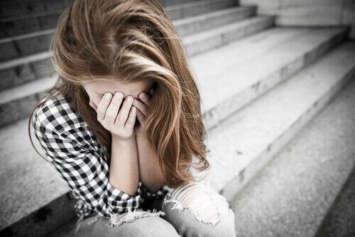 Злоупотребите и насилието при младите двойки