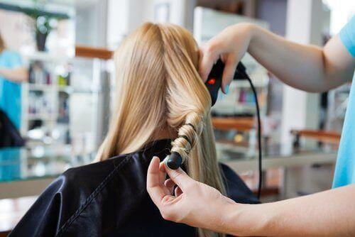 Алуминиево фолио за красива къдрава коса