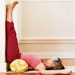 повдигане на краката нагоре за подобряване на настроението