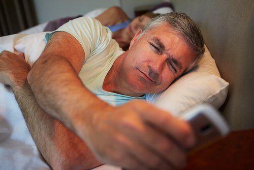 недоспиването води до натрупване на тегло