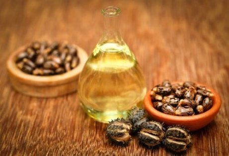 рициново масло за меки пети