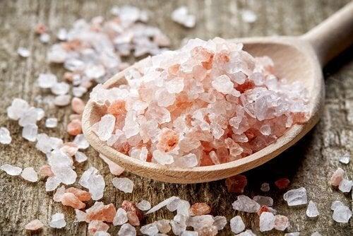 Спрете мигрената с розовата хималайска сол