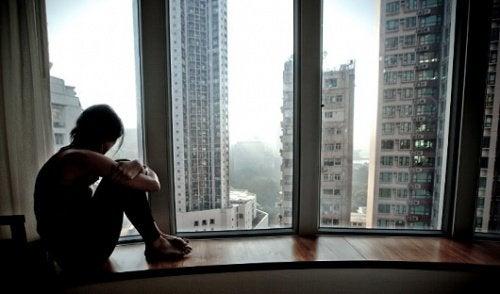 Увреждащи ума навици: самотата