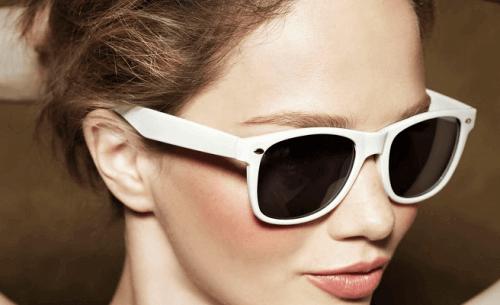 Носенето на слънчеви очила е необходим навик за грижата за очите