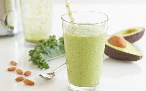 Радвайте се на по-добро здраве като хапвате авокадо.