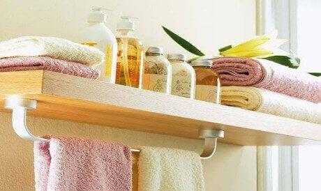 Никога не оставяйте тези 8 вещи в банята