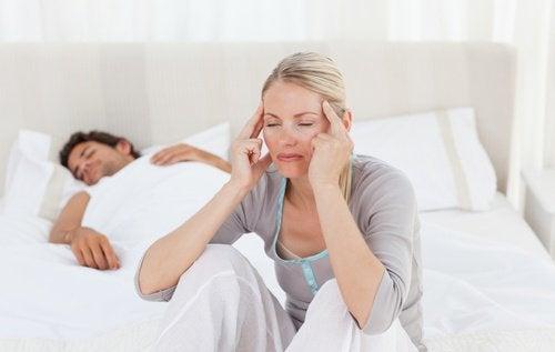 Дехидратацията може да е причина за сутрешното главоболие.