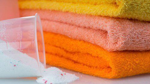 5 начина за избелване на хавлиите без вредни химически препарати