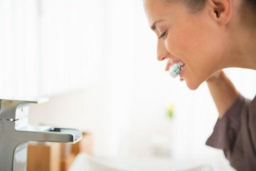 водородния пероксид може да се използва за хигиена на устата