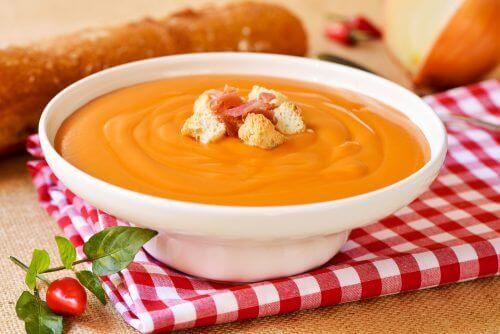 Тази вкусна супа Салморехо понижава риска от рак на дебелото черво